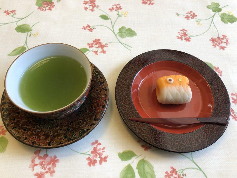 お茶と上生菓子のセット